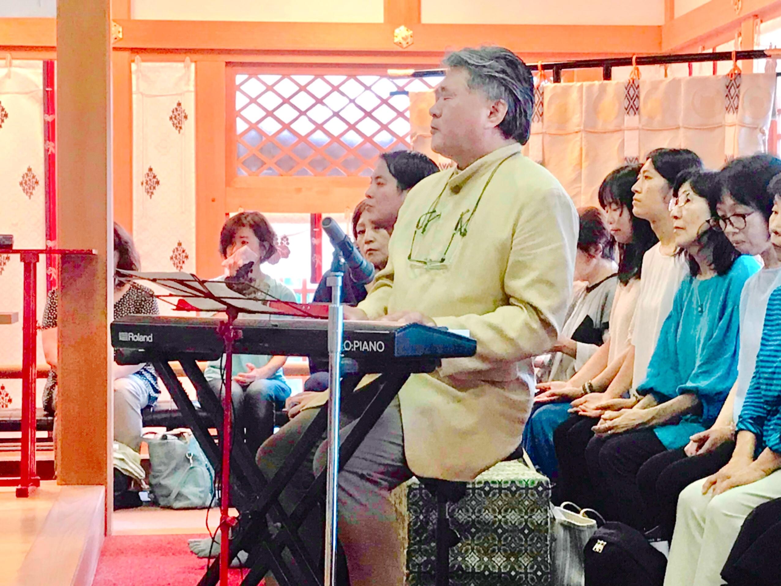すべてのはじまりの方へ。『松尾泰伸 令和新元号記念コンサート & 恩智神社 音楽絵画奉納 はじまりの刻』
